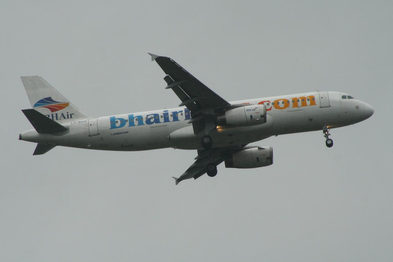 LZ-BHH BH Air (Balkan Holidays) Airbus A320-232 Glasgow Airport 10/08/2014