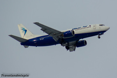 YR-BAF Blue Air Boeing 737-322 Glasgow Airport 17/01/2016