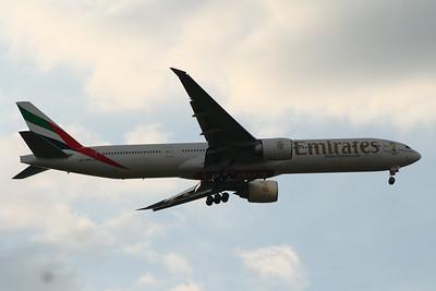 A6-EBB Emirates Airways Boeing 777-36N(ER) Glasgow Airport 25/07/2014