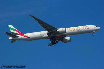 A6-EBG Emirates Airways Boeing 777-36N(ER) Glasgow Airport 23/08/2015