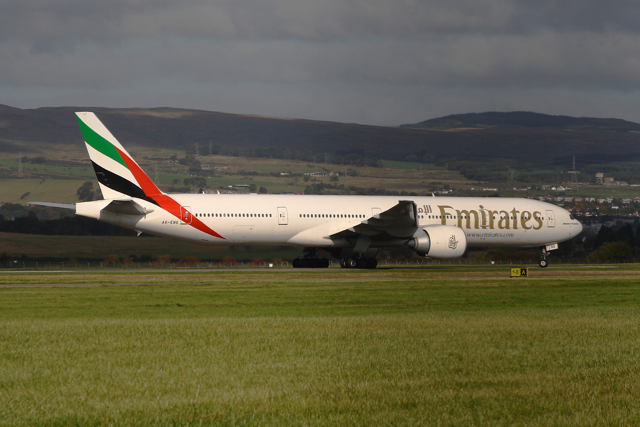 A6-ENE An Emirates Boeing 777-31H/ER landing at Glasgow Airport