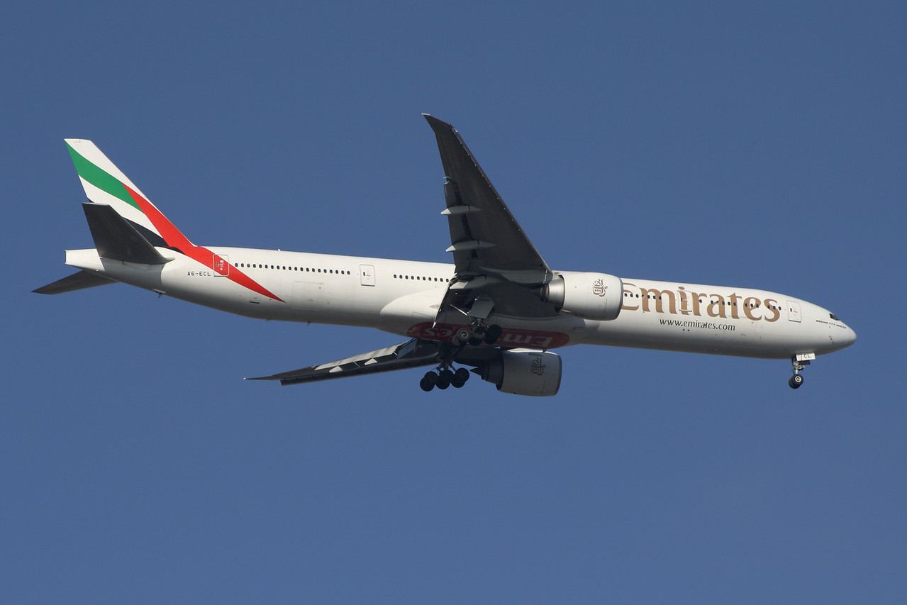 A6-ECL An Emirates Boeing 777-36N/ER on approach to Glasgow Airport