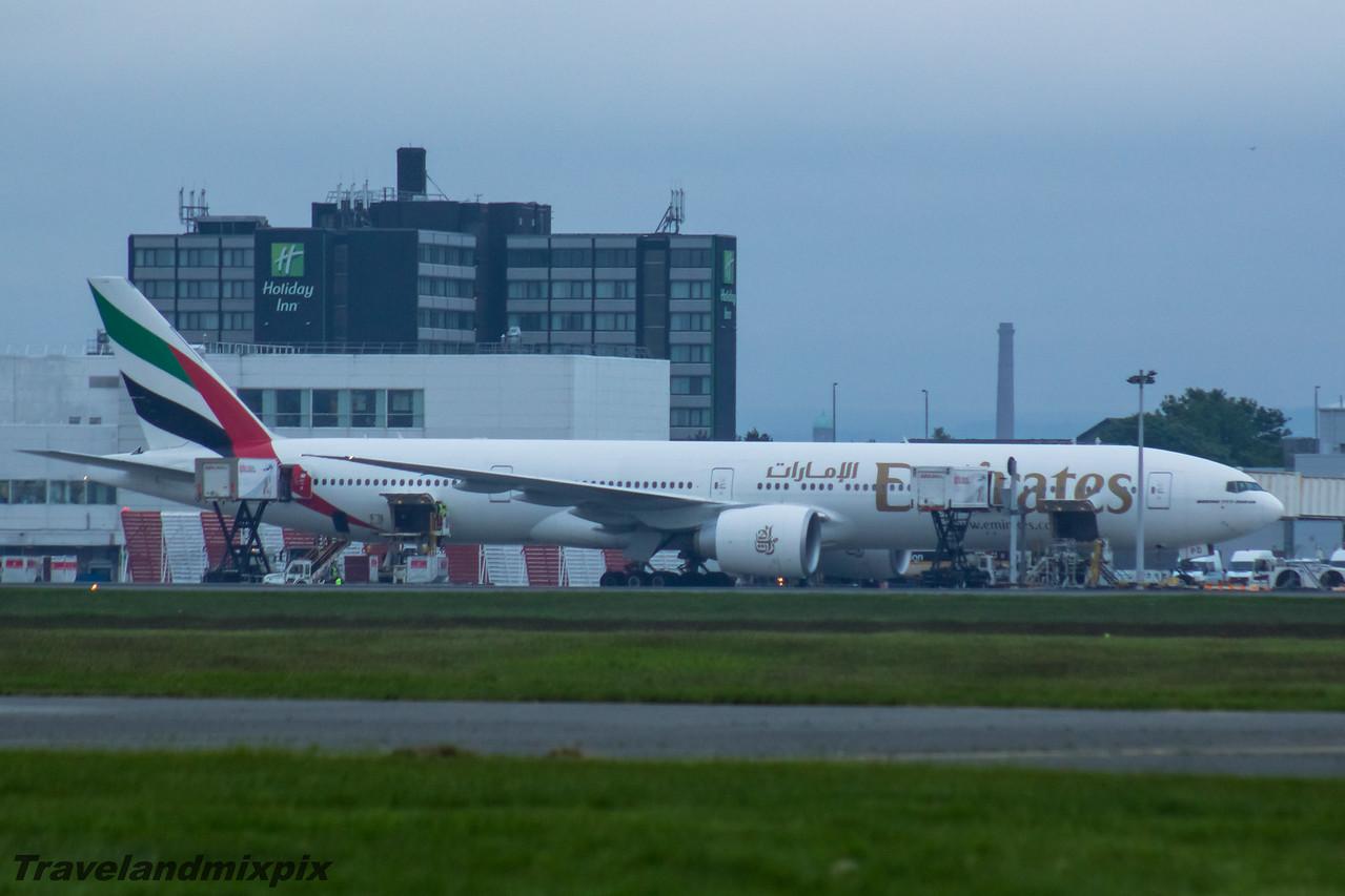 A6-EPD Emirates Airways Boeing 777-31H(ER) Glasgow Airport 27/05/2016