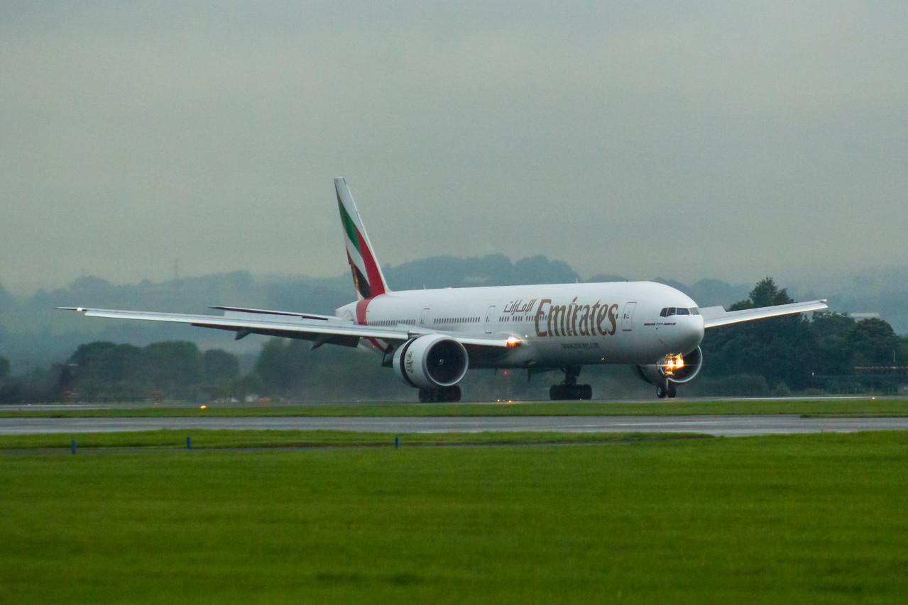A6-EPJ Emirates Airways Boeing 777-31H(ER) Glasgow Airport 19/08/2016