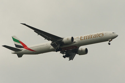 A6-EBF An Emirates Boeing 777-31H/ER on approach to Glasgow Airport