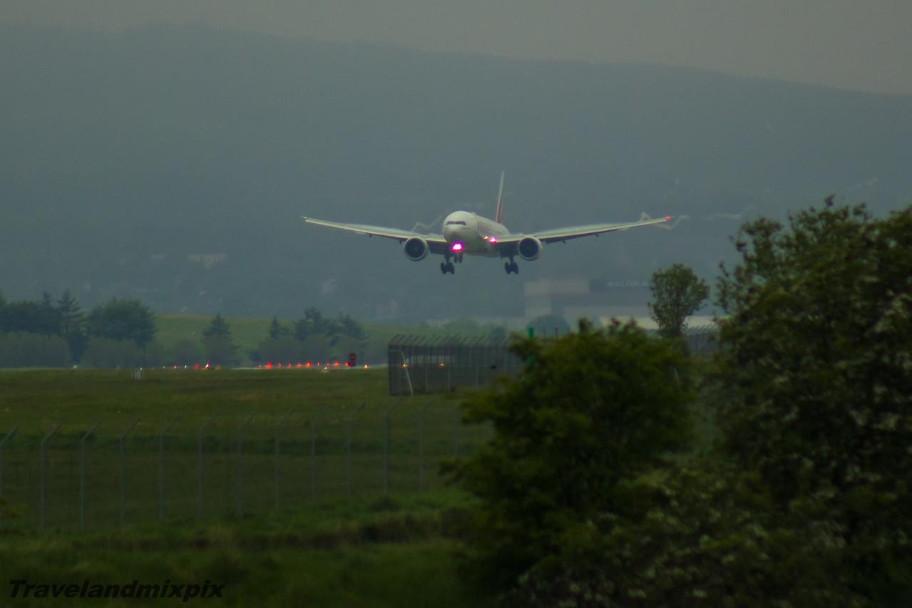 A6-ENJ Emirates Airways Boeing 777-31H(ER) Glasgow Airport 27/05/2016