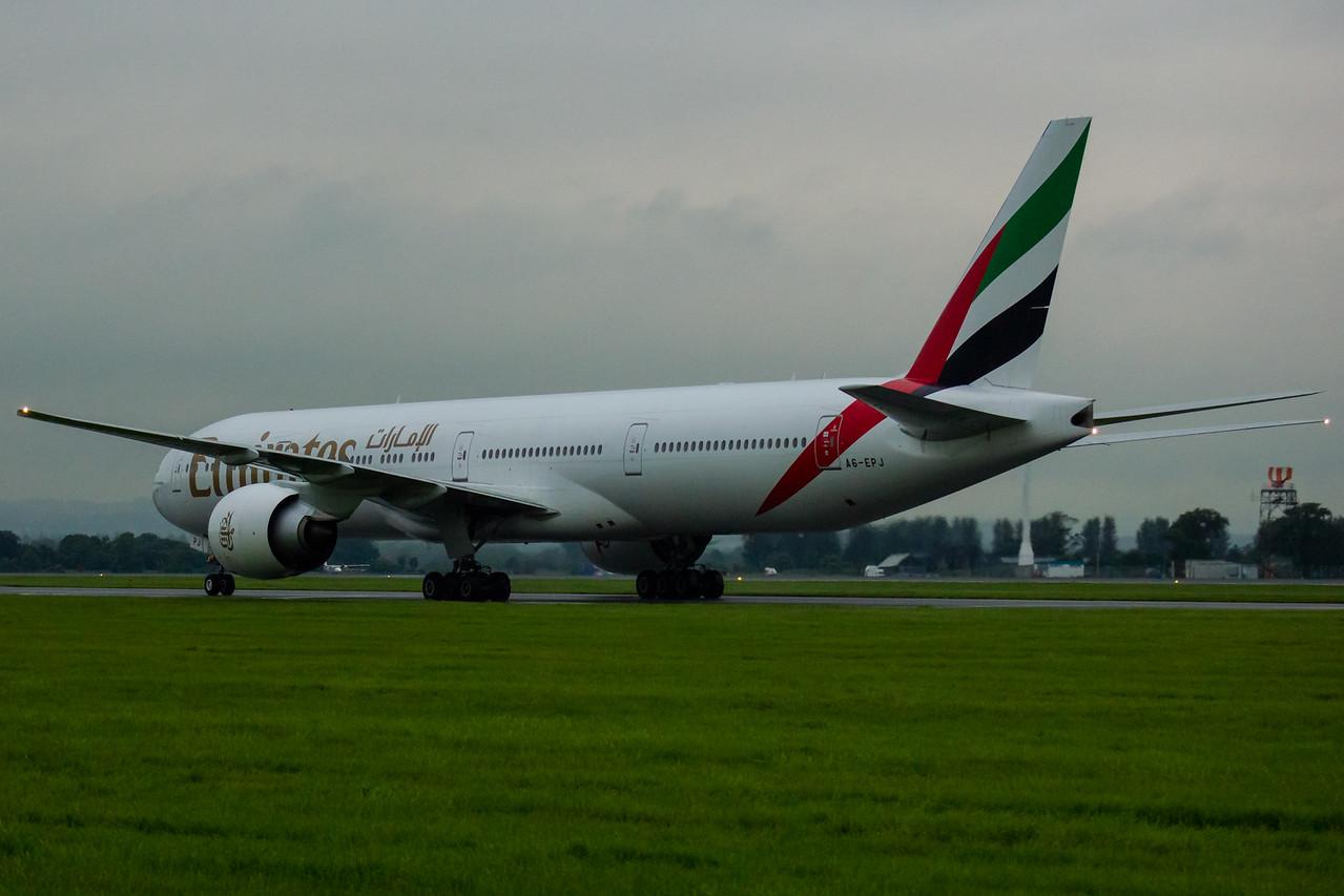 A6-EPJ Emirates Airways Boeing 777-31H(ER) Glasgow Airport 19/08/2016