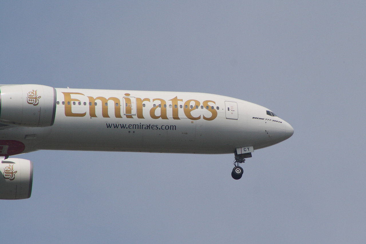 A6-ECY Detail of the Emirates Boeing 777-31H/ER on approach to Glasgow Airport