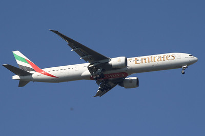 A6-EBJ An Emirates Boeing 777-36N/ER on approach to Glasgow Airport.