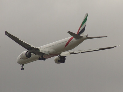 A6-EBD An Emirates Boeing 777-31H/ER on approach to Glasgow Airport. The aircraft was withdrawn in March 2017.