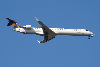 A Eurowings Canadair CL-600-2D24 Regional Jet CRJ-900 (D-ACNV) on approach to Glasgow Airport