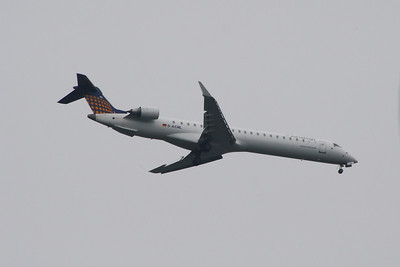 A Eurowings Canadair CL-600-2D24 Regional Jet CRJ-900 (D-ACNL) on approach to Glasgow Airport