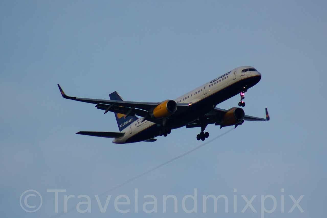 TF-ISY Icelandair Boeing 757-223 Glasgow Airport 06/02/2017