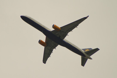 TF-FIV An Icelandair Boeing 757-208 after take off from Glasgow Airport