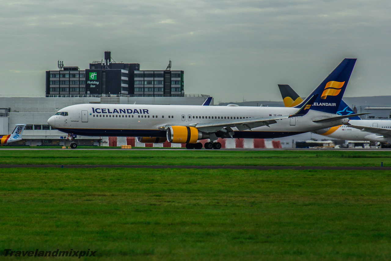 TF-ISN Boeing 767-319(ER) Icelandair Glasgow Airport 08/10/2016