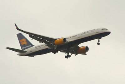 TF-FIO An Icelandair Boeing 757-208 on approach to Glasgow Airport