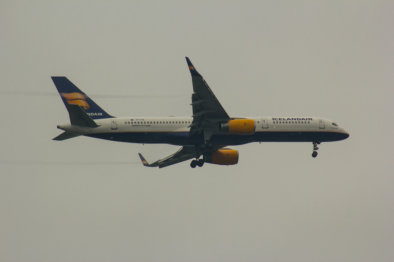 TF-FIA Icelandair Boeing 757-256 Glasgow Airport 18/08/2016
