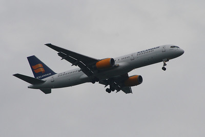 TF-IST An Icelandair Boeing 757-256 on approach to Glasgow Airport.  On short term lease from Titan Airways from April 2012 until October 2013 when it was returned.