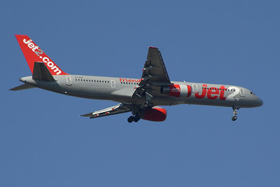 A Boeing 757-21B (G-LSAG) of Jet2 on approach to Glasgow Airport. This is the oldest B752 in the Jet2 fleet, the aircraft first flown in August 1987.