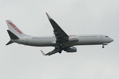 G-GDFY Jet2 Boeing 737-86Q Glasgow Airport 15/06/2014