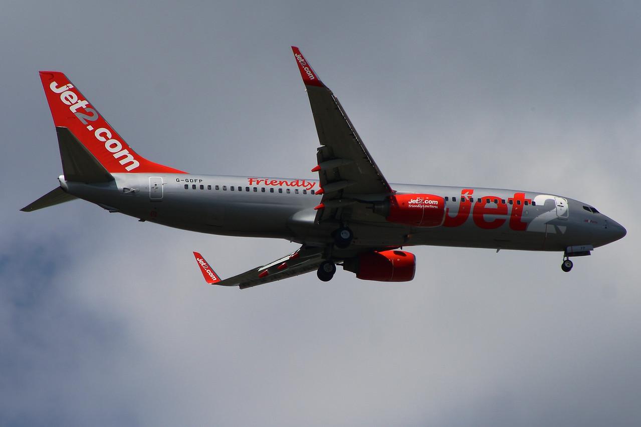 G-GDFP Jet2 Boeing 737-8Z9 Glasgow Airport 01/07/2014