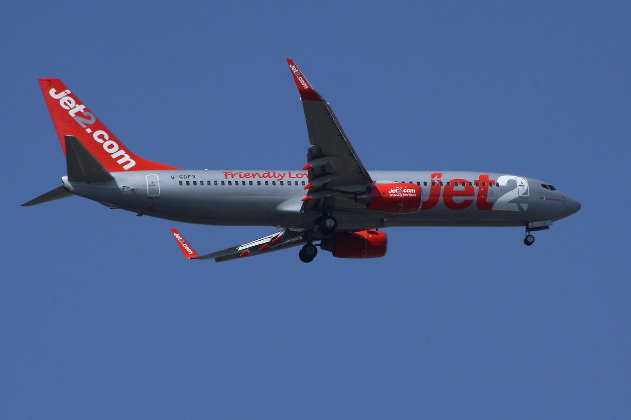 G-GDFV A Boeing 737-85F of Jet2 on approach to Glasgow Airport