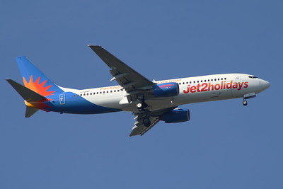 G-GDFF A Boeing 737-85P of Jet2 Holidays on approach to Glasgow Airport