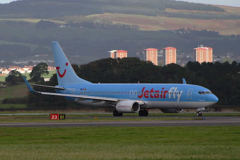 OO-JAX<br /> A Boeing 737-8K5 of Jetairfly taxiing after landing at Glasgow Airport