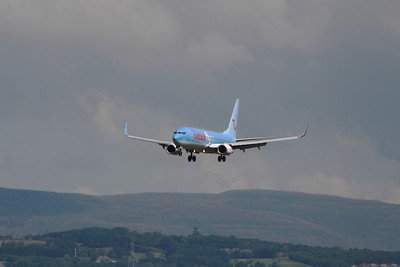 OO-JAD A Boeing 737-8K5 of Jetairfly about to land at Glasgow Airport