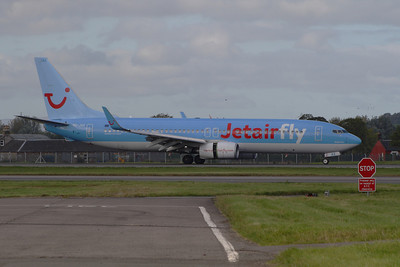 OO-JAX A Boeing 737-8K5 of Jetairfly landing at Glasgow Airport