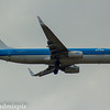 PH-BXU<br> KLM Royal Dutch Airlines<br> Boeing 737-8K2<br> Glasgow Airport<br> 30/04/2017<br>