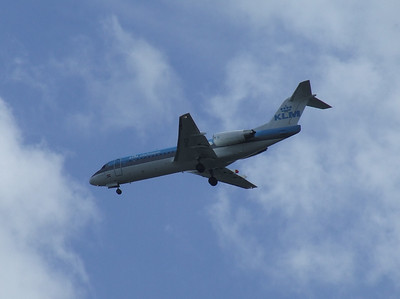 A KLM Cityhopper Fokker 70 (F-28-0070) (PH-KZR) on approach to Glasgow Airport