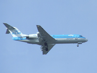 PH-KZK A KLM Cityhopper Fokker 70 (F-28-0070) on approach to Glasgow Airport