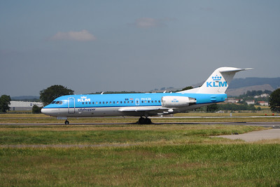 PH-KZB A KLM Cityhopper Fokker 70 (F-28-0070) taxiing after landing at Glasgow Airport