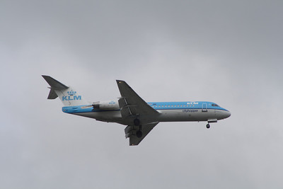 A KLM Cityhopper Fokker 70 (F-28-0070) (PH-KZT) on approach to Glasgow Airport