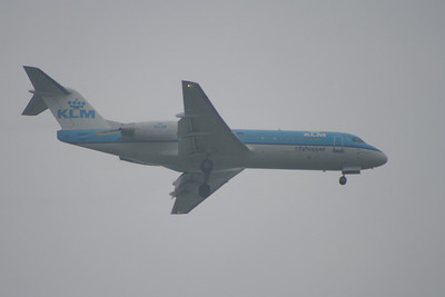 PH-JCT A KLM Cityhopper Fokker 70 (F-28-0070) on approach to Glasgow Airport