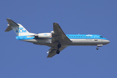 PH-KZC A KLM Cityhopper Fokker 70 (F-28-0070) on approach to Glasgow Airport