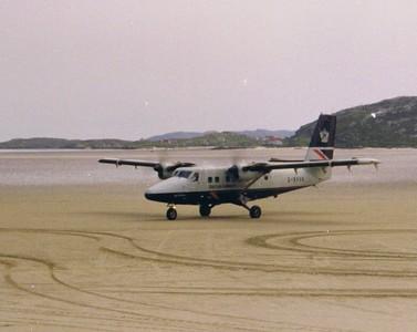 G-BVVK Loganair de Havilland Canada DHC-6-310 Twin Otter Barra Airport 2001 A de Havilland Canada DHC-6-300 Twin Otter of Loganair taxiing after taking passengers