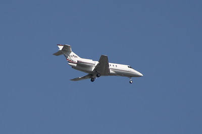 CS-DRI A NetJets Europe Raytheon Hawker 800XP on approach to Glasgow Airport