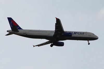 TC-OBJ Onur Air Airbus A321-231 Glasgow Airport 25/07/2014