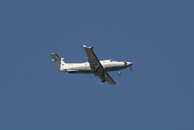 HB-FPC A Pilatus PC-12/45 of Moliair AG on approach to Glasgow Airport