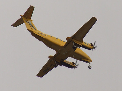 A Scottish Ambulance Service (Gama Aviation) Raytheon B200C King Air (G-SASD) on approach to Glasgow Airport