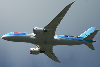 G-TUIB Thomson Airways Boeing 787-8 Glasgow Airport 21/05/2014