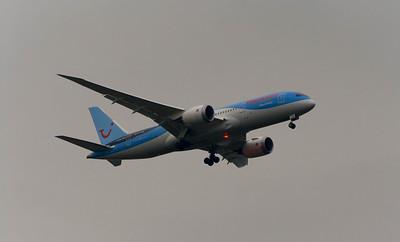 G-TUIE Thomson Airways Boeing 787-8 Glasgow Airport 13/02/2015