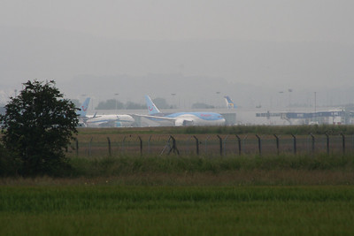 G-TUIC Boeing 787-8 Dreamliner of Thomson Airways at Glasgow Airport taxiing to the runway before it's inaugural service for Thomson Airways on a long haul service to Cancun. Thomson are the first British airline to fly the Dreamliner in service, and will dramatically improve on the quality of aircraft available to the fleet.