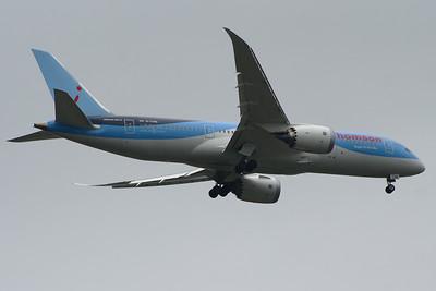 G-TUID Thomson Airways Boeing 787-8 Glasgow Airport 25/06/2014