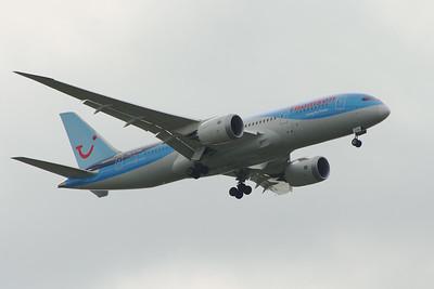 G-TUIA Thomson Airways Boeing 787-8 Glasgow Airport 28/05/2014