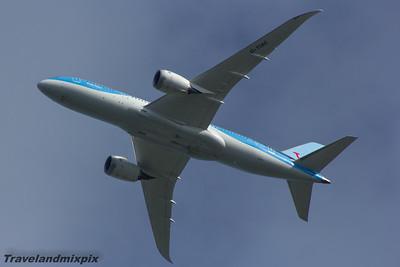 G-TUIC Thomson Airways Boeing 787-8 Glasgow Airport 07/08/2015