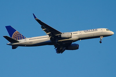 N19136 United Airlines Boeing 757-224 Glasgow Airport 27/08/2014