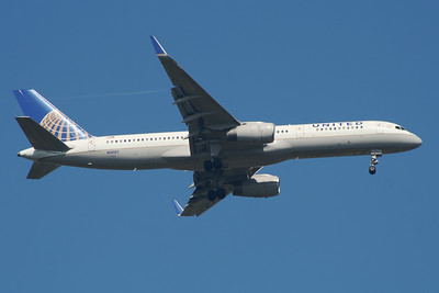 N14107 United Airlines Boeing 757-224 Glasgow Airport 24/07/2014